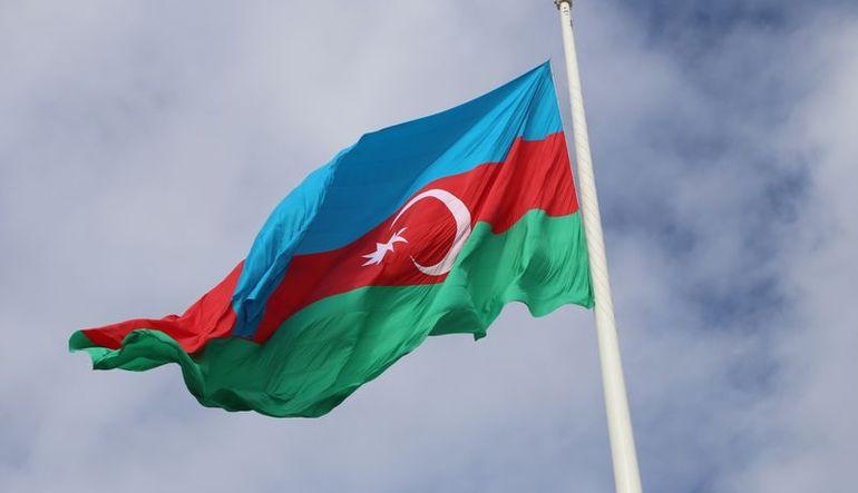 Azerbaycan döviz kuru rejimini değiştirdi
