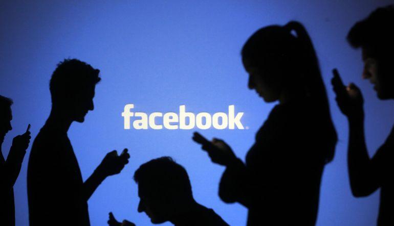 Artık Facebook'ta fotoğraflara sticker yapıştırılabilecek