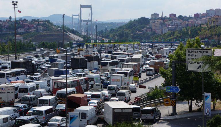 Trafikte 24 dakikanın maliyeti 2.3 milyon TL