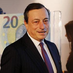 AMB BAŞKANI YENİ 20 EURO'LUK BANKNOTU TANITTI