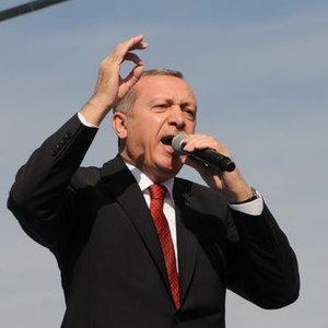 'DOLAR ZENGİNİ ÜRETMEYE ÇALIŞIYORLAR'