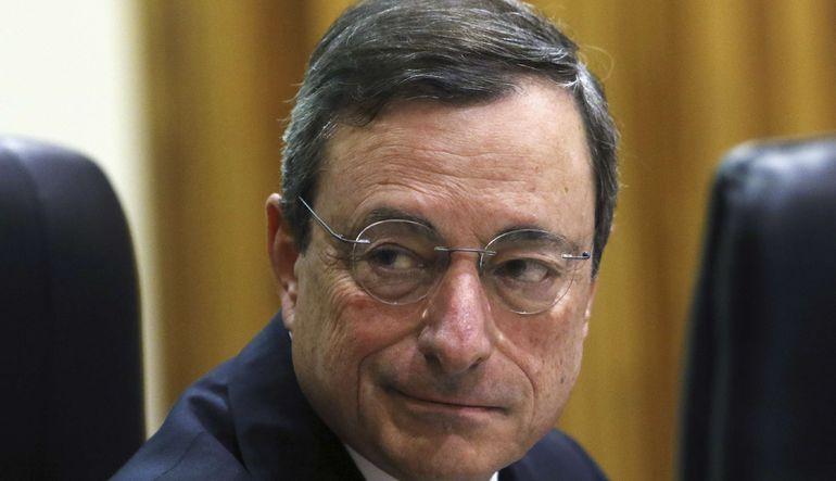 QE perdesi aralanıyor