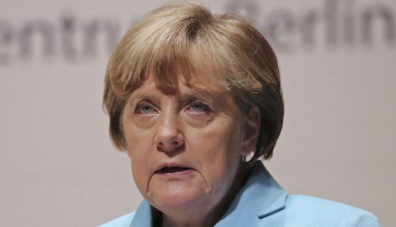Merkel Avrupa Birliği ordusuna sıcak bakıyor