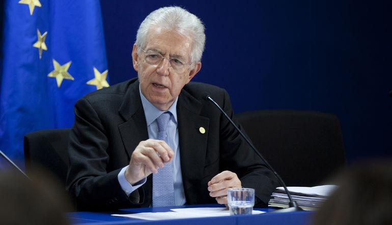 İtalyan Eski Başbakanı Mario Monti Yunanistan'ın Euro'dan çıkamayacağını söyledi