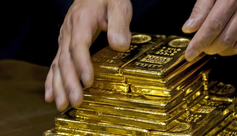 Altın üç ayın en düşüğünden toparlanıyor