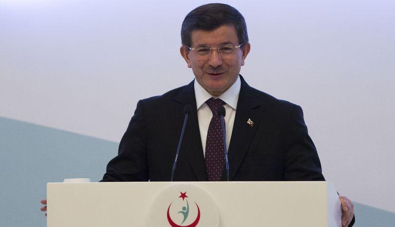 Başbakan Ahmet Davutoğlu açıkladı: Sağlık çalışanlarına yüzde 50 nöbet zammı yapılacak