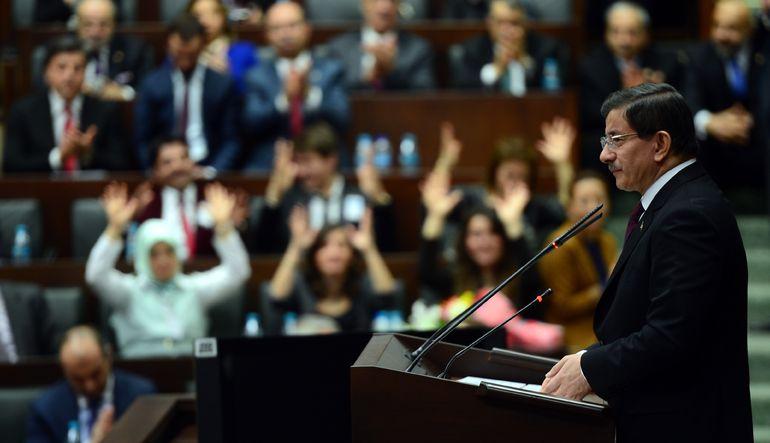 Davutoğlu: İrrasyonel politika beklemeyin