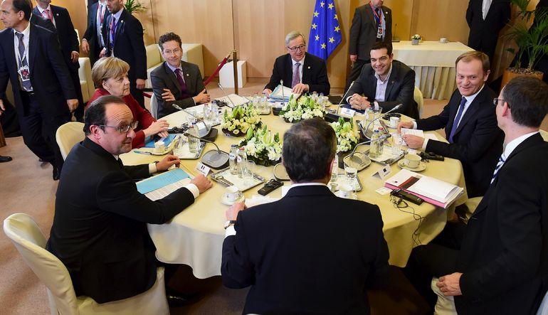 Merkel: Yunanistan ayrıntılı reform listesi sunacak