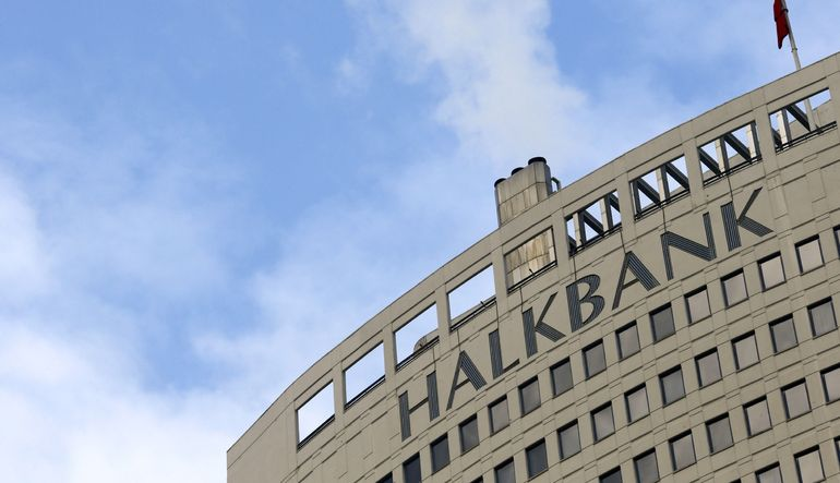 Halkbank Cacanska'nın %76,76'sını aldı