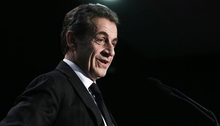 Fransa'da sosyalistlere Sarkozy darbesi
