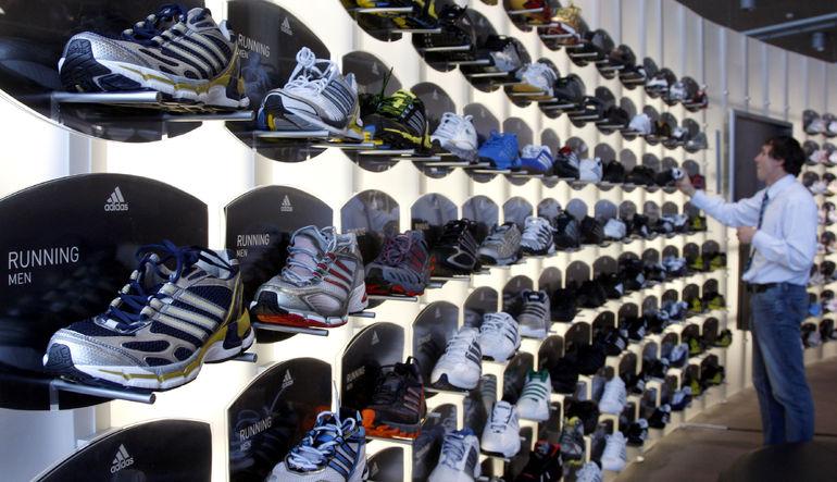 Adidas, ABD pazarındaki etkinliğini arttırma çabaları içinde