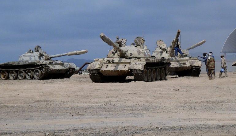 Suudi Arabistan liderliğinde 10 ülke Yemen'de askeri operasyon başlattı