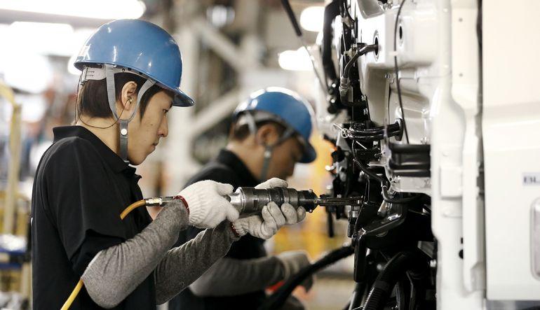 Japonya'nın sanayi üretimi Şubat ayında beklentilerin üzerinde bir gerileme gösterdi