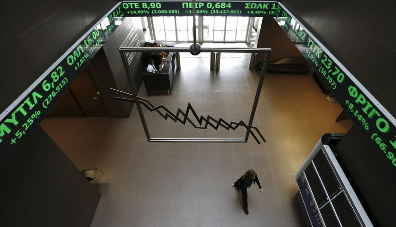 Fırsat arayan yatırımcılar Yunan hisselerine koşuyor