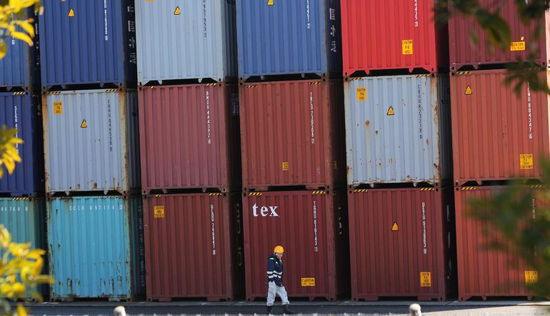 Türkiye'nin dış ticaret açığının Şubat ayında yüzde 10.2 azalarak 4.66 milyar oldu