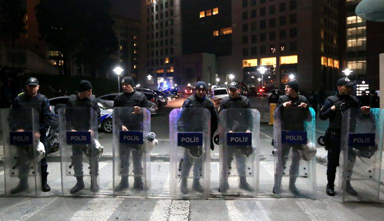 Adliye'der savcı rehine krizi