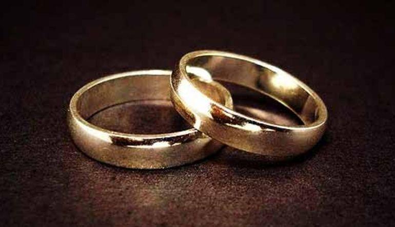 Evlenmiyor, boşanıyoruz