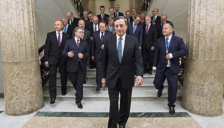 Avrupa Merkez Bankası Yönetim Kurulu Üyeleri, bankanın ekonomistlerine göre Euro Bölgesi için daha kötümser büyüme tahminleri yaptı