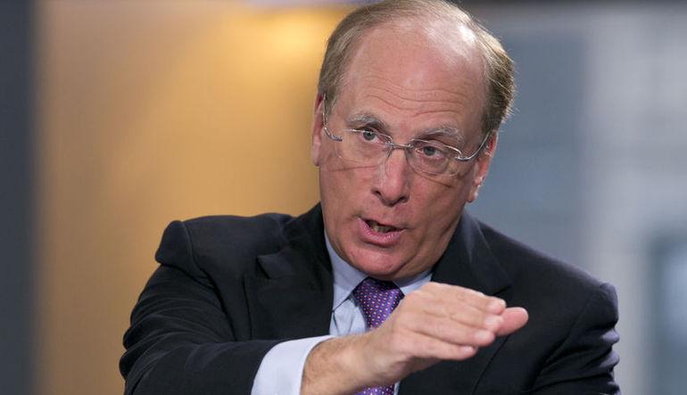 Blackrock'ın CEO'su Larry Fink, güçlü doların ABD'yi zayıflattığını söyledi