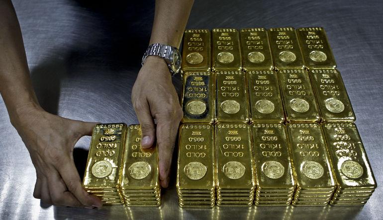 Altın üretimi düşüyor
