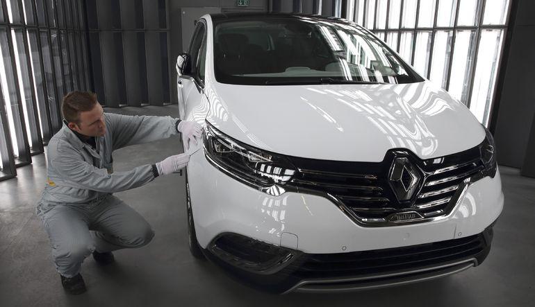 Fransa Renault'daki payını arttırıyor