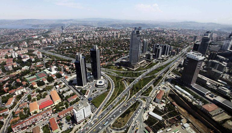 Fitch: Türk şirketleri risk altında