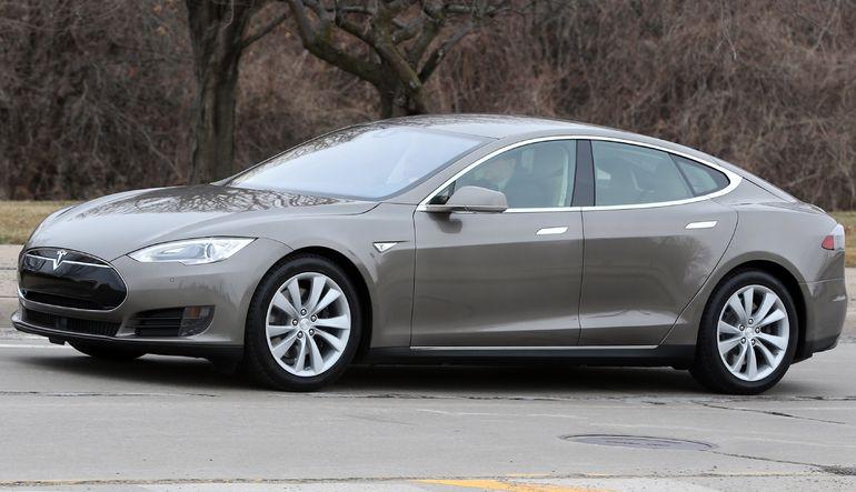 Tesla yeni modelini tanıttı