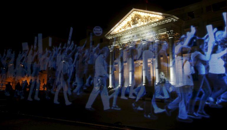 İspanya'da hologramlı protesto