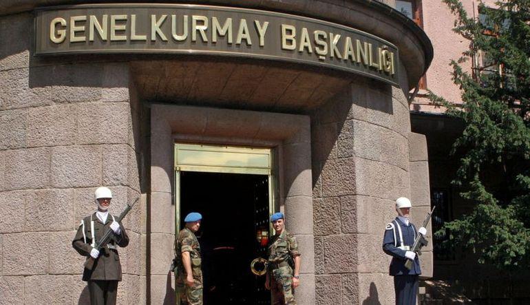 Genelkurmay Başkanlığı, Ağrı'daki çatışmada 4 personelin yaralandığını, 5 teröristin de öldürüldüğünü bildirdi.