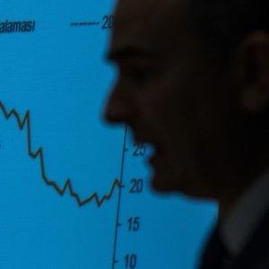 DOLARDAKİ YÜKSELİŞ MERKEZ BANKASI ÜZERİNDEKİ BASKIYI ARTIRIYOR