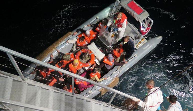 Akdeniz'de bir facia daha: 300 kişilik bot batıyor