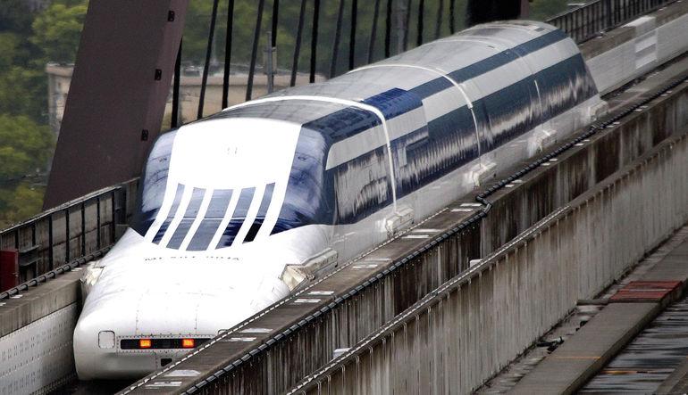 Dünyanın en hızlı treni saatte 603 kilometre sürate ulaşarak yeni dünya rekorunu kırdı