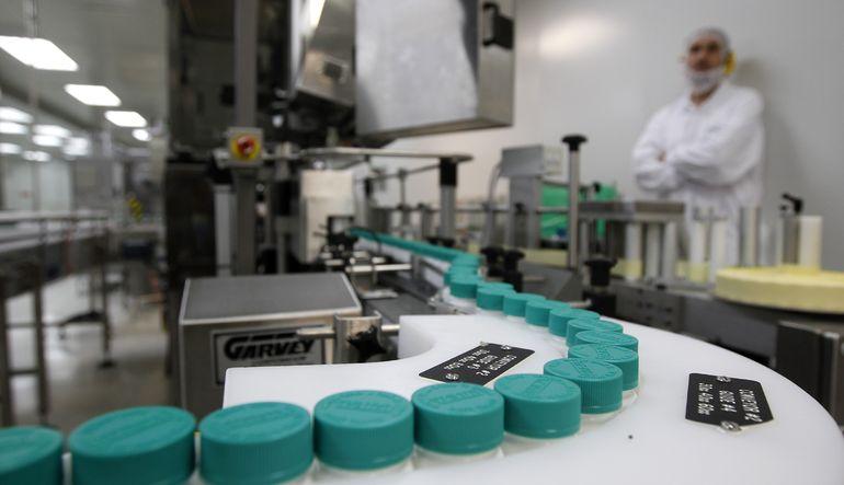 İsrailli ilaç şirketi Teva, ABD merkezli ilaç firması Mylan'ı almak için 40.1 milyar dolar teklif etti