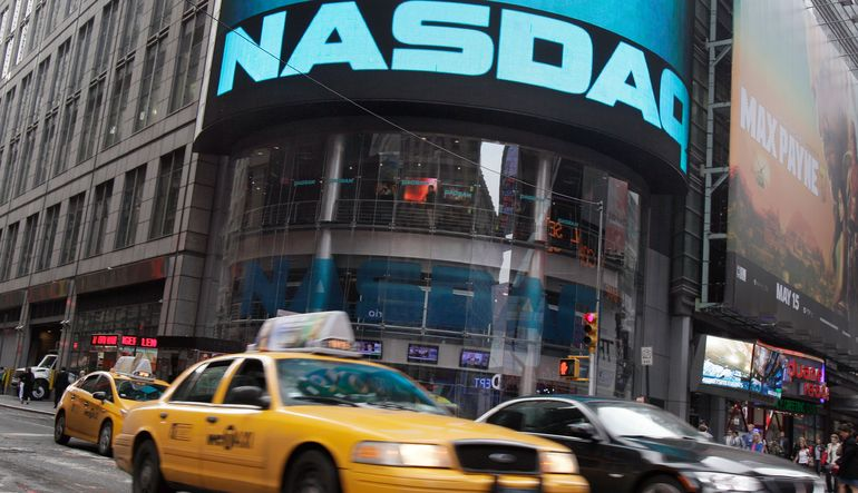 Yatırımcıların Apple gibi para kazanan ve inovasyonun öncüsü şirketlere karşı artan iştahı, Nasdaq'ı rekor seviyelere yükseltti