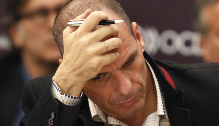 Yunanistan Varoufakis'in görevlerini azalttı