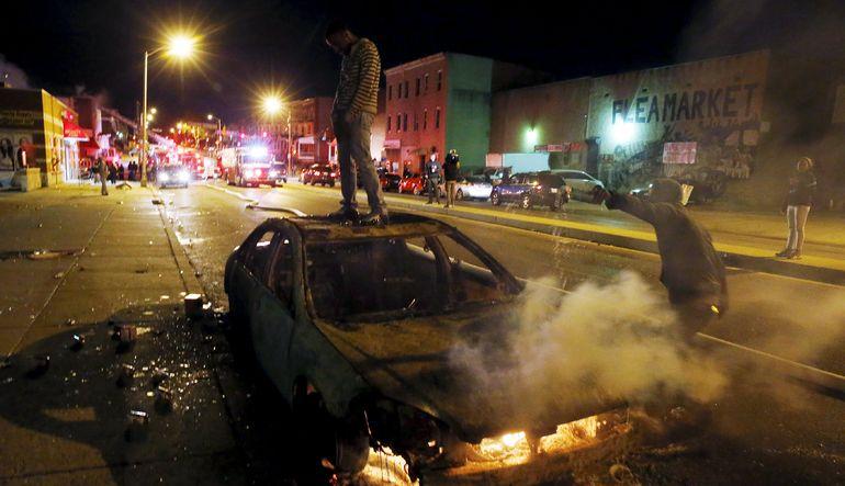 Baltimore savaş alanına döndü
