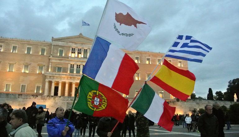 Her iki ülkenin de Yunanistan'ın Euro Bölgesi'nden olası çıkışa karşısında risk altında olduğu, ancak bu şoka dayanabilecek güce sahip oldukları belir