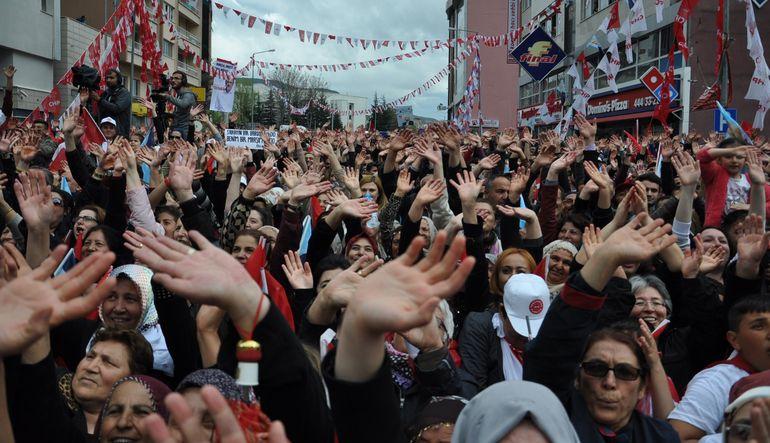 Ankara gündeminde Kılıçdaroğlu ve Erdoğan'ın doğu illerine ziyareti ve MHP seöim beyannamesinin yankıları var