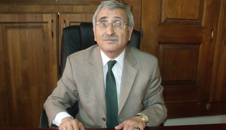 Eski Merkez Bankası Başkanı ve MHP Milletvekili adayı Durmuş Yılmaz BloombergHT canlı yayınında Açıl Sezen'in sorularını yanıtlıyor