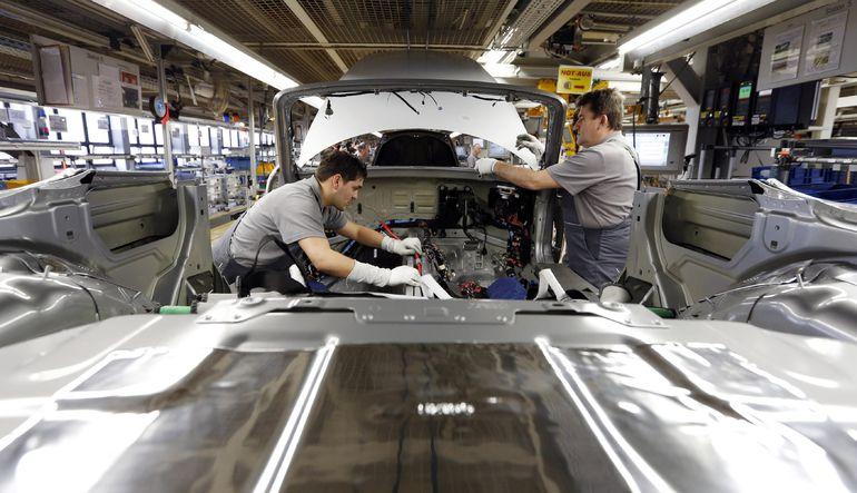 Euro Bölgesi PMI beklentinin üzerinde arttı