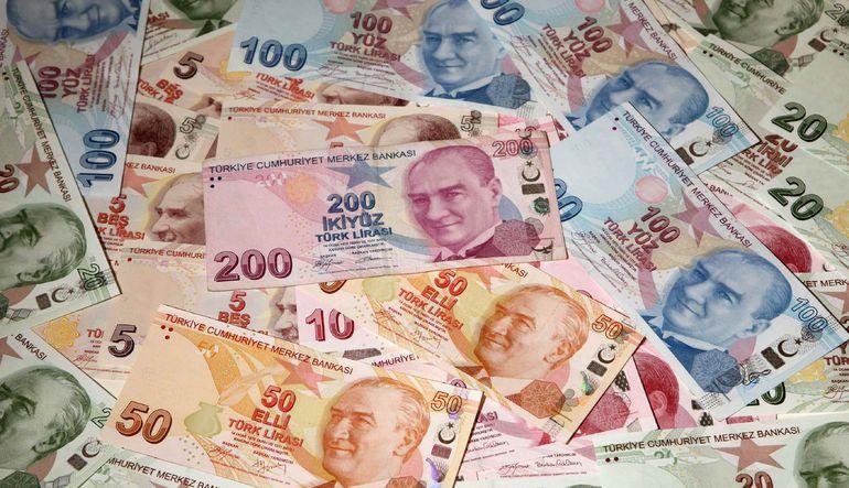 Enflasyondaki artışa rağmen Merkez Bankası'nın harekete geçmeyeceği beklentisi tahvillerdeki düşüşü derinleştirebilir