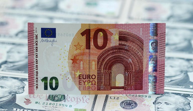 Dolar, ABD'den gelen olumsuz veri akışının sürmesi sonrası kayıplarını artırıyor