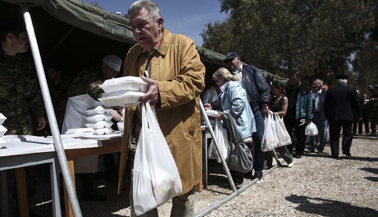 150 bin Yunan'a gıda kartı