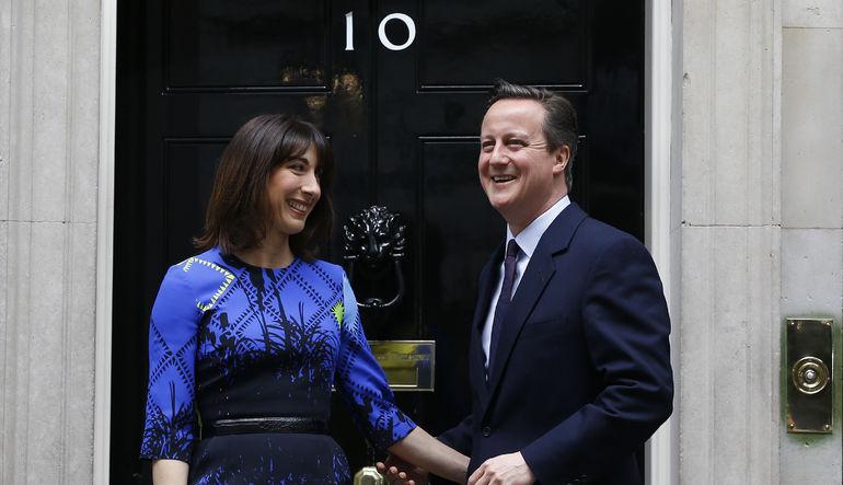 İngiltere seçimlerinin galibi David Cameron ilk konuşmasında AB referandumu sözünü yineledi