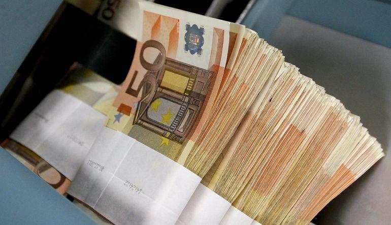 Euro Yunanistan ile geriledi