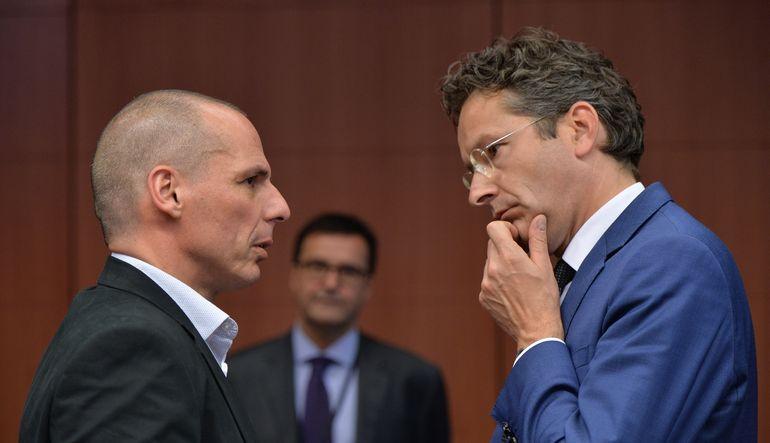 Kreditörlerin Yunanistan'dan en az 3 milyar euroluk bütçe kesintisi beklediği belirtiliyor