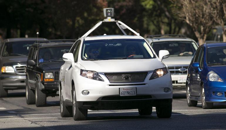Google'un arabaları kaza yaptı
