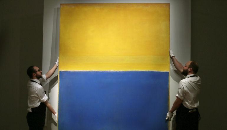 """Amerikan ressam Mark Rothko'nun """"Mavi ve Sarı"""" isimli yapıtı 46.4 milyar dolara satıldı"""