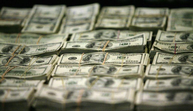 Özel sektörün yurtdışından sağladığı uzun vadeli kredi borcu Mart sonunda bir önceki aya göre 1 milyar dolar arttı