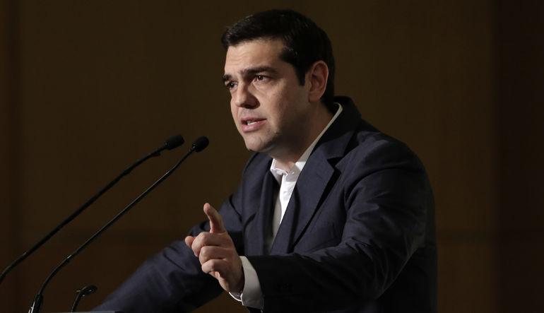 Tsipras geri adım atmıyor
